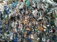 Odpady folii, butelki, makulatury do sortowania