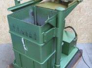 Belownica prasa do foli makulatury sklepu odpadów Orwak 5031