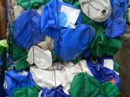 Odpady zbelowane kanistry, beczki, mauzery