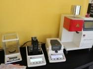 Badania laboratoryjne: gęstość tworzyw, wilgotność, MFI