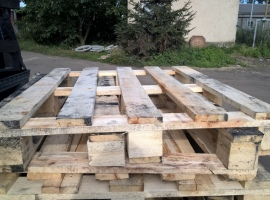 Industrial wood pallets…