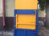 Belownica prasa do foli makulatury śmieci odpadów sklepu