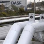 Niskie ceny gazu i ropy zmniejszają zyski BASF