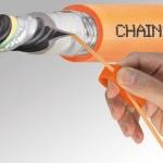 Szybkie odizolowanie przewodów chainflex CFRIP firmy igus