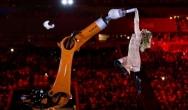 Robot firmy KUKA atrakcją otwarcia Igrzysk Paraolimpijskich 2016