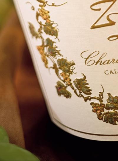 Nowy środek klejący Avery Dennison do zastosowań ogólnych w etykietach na wino