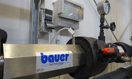 Jednostka do uzdatniania wody z urządzeniem sterującym