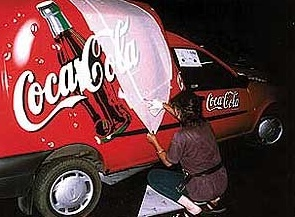 Folia Avery 800 na samochodach Coca Coli