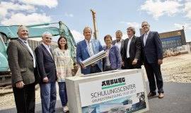 ARBURG buduje centra szkoleniowe