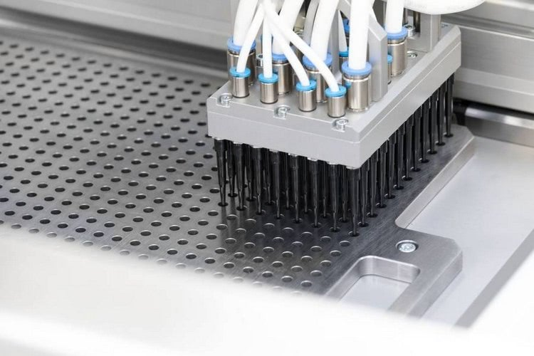 32-cavity hot runner precision mould