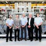 KraussMaffei liefert HP-RTM-Anlage an britisches Forschungsinstitut AMRC