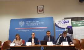 "Podsumowanie debat eksperckich Kampanii ""Polska Chemia"""