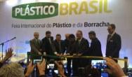Wittmann Battenfeld mit MacroPower 650 auf der Plástico Brasil 2019