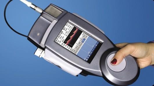 Obudowa aparatu TCD NeurovisionTM 500P jest ekranowana tworzywem kompozytowym LNP Faradex z oferty SABIC