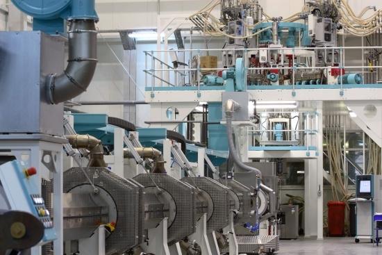 Nowa linia produkcyjna do 7-warstwowych osłonek w firmie Supravis Group