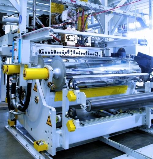 Starlinger, wprowadza na polski rynek linie i układy kalandrujące do produkcji folii termoformowalnych.