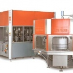 Maszyna do wydmuchu, rozlewania oraz zamykania w opakowaniach z tworzyw sztucznych