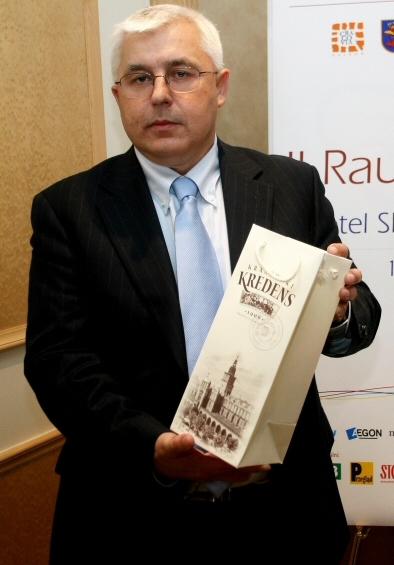 Andrzej Zdebski, prezes firmy Krakchemia