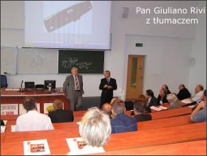 Giuliano Rivi przy pomocy tłumacza wyjaśnia tajniki wtryskiwania wspomaganego gazem