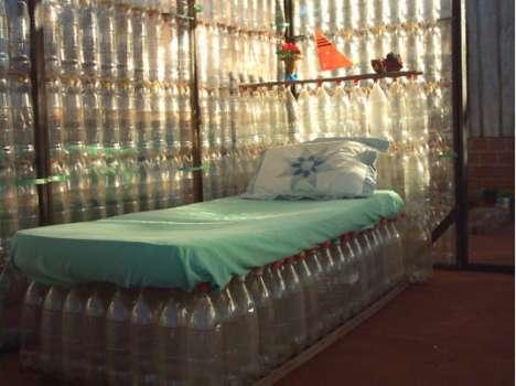 Dom z butelek PET