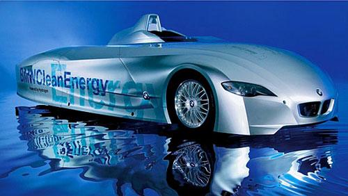 BMW z polimerów zbrojonych włóknami węglowymi