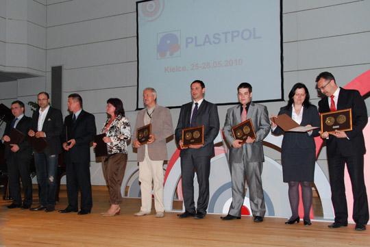 Wyróżnienia i medale za aranżację stoiska na Plastpol 2010
