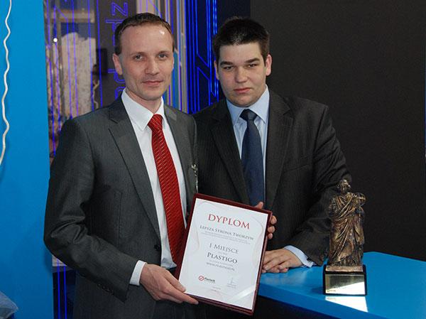 Plastpol 2010. Asteniusz Myśliwiec (z lewej), szef firmy Plastigo. Obok Adam Szubert, szef marketingu w Plastigo.