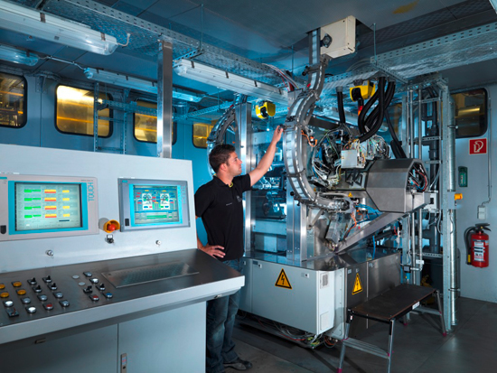 Firma Ball włączyła prototyp prasy cyfrowej do standardowej linii produkcyjnej w zakładzie Hassloch