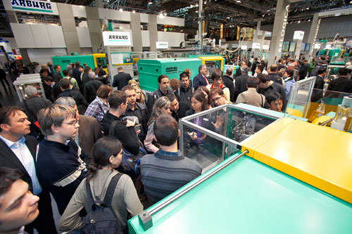 Numerous innovations attracted international trade experts to the Arburg stand.