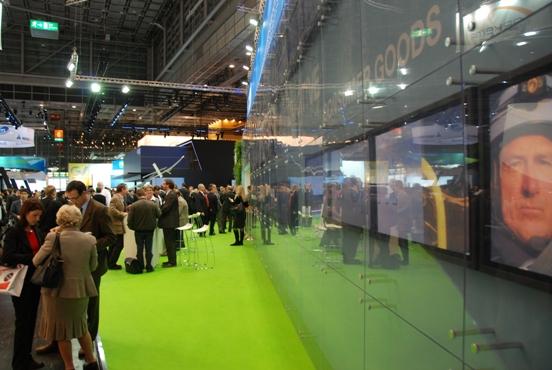 DSM Engineering Plastics pokazał na K 2010 nowe tworzywo