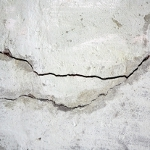 TPE  on the trail of crack in concrete buildings