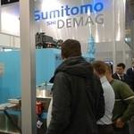 Sumitomo (SHI) Demag zmniejsza zużycie energii wtryskarek