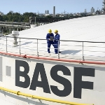 BASF trzyma się mocno
