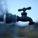 Tysiące osób bez wody pitnej po wycieku chemikaliów